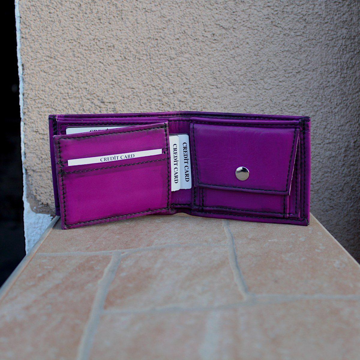 Мъжки кожен портфейл цвят лилав цветна