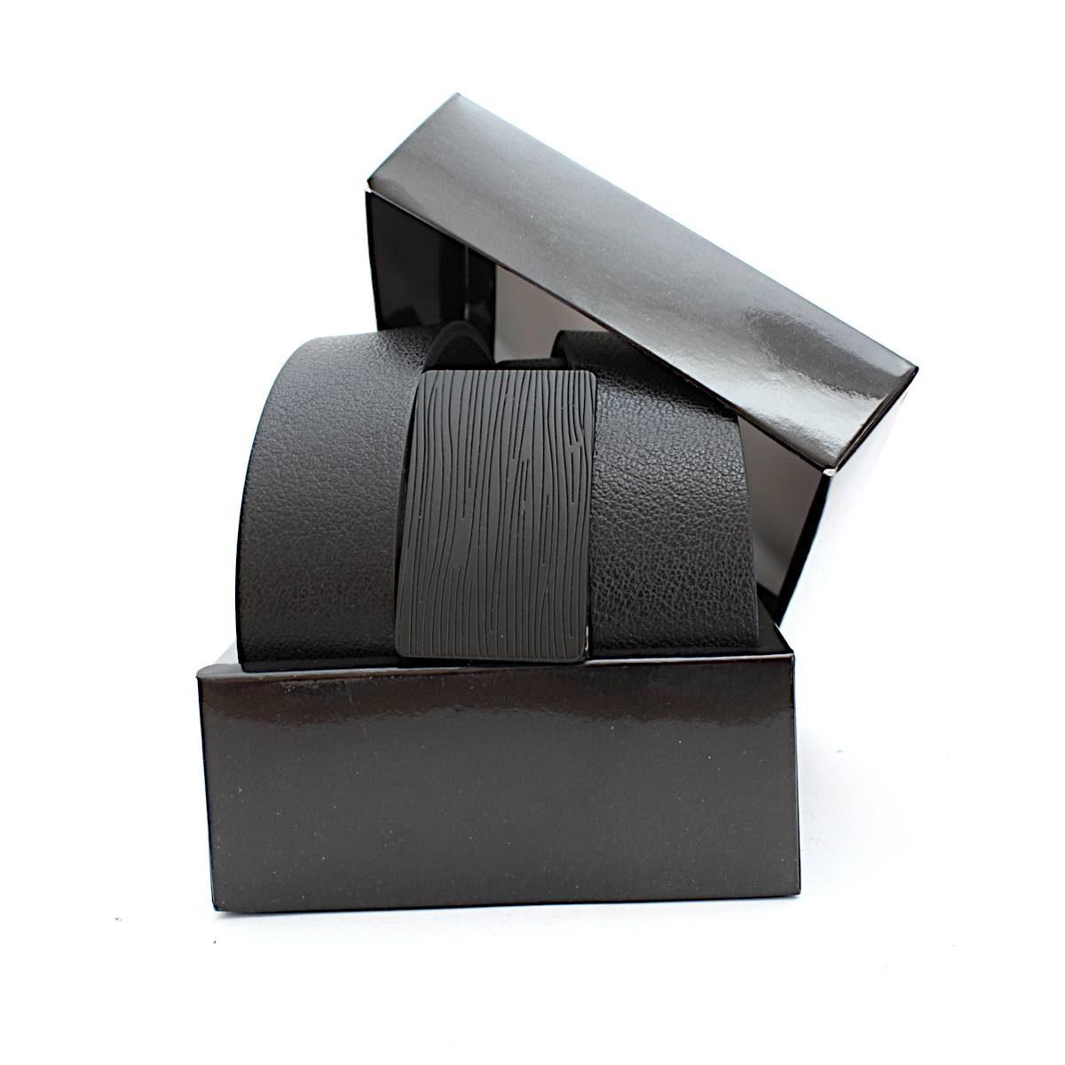 Мъжки Черен Колан с Метална Плочка Кутия