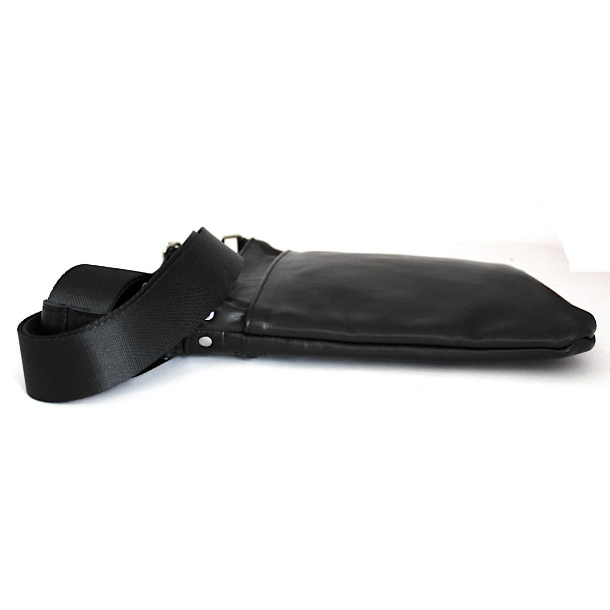Тънка мъжка чанта от естествена кожа страни