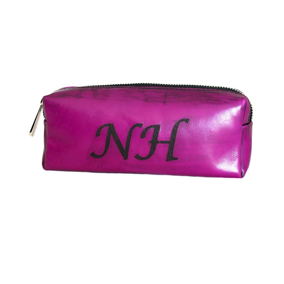 Дамски несесер от естествена кожа лилав инициали