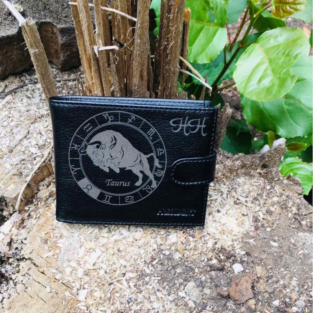 Черен мъжки портфейл гравиран по желание на клиента