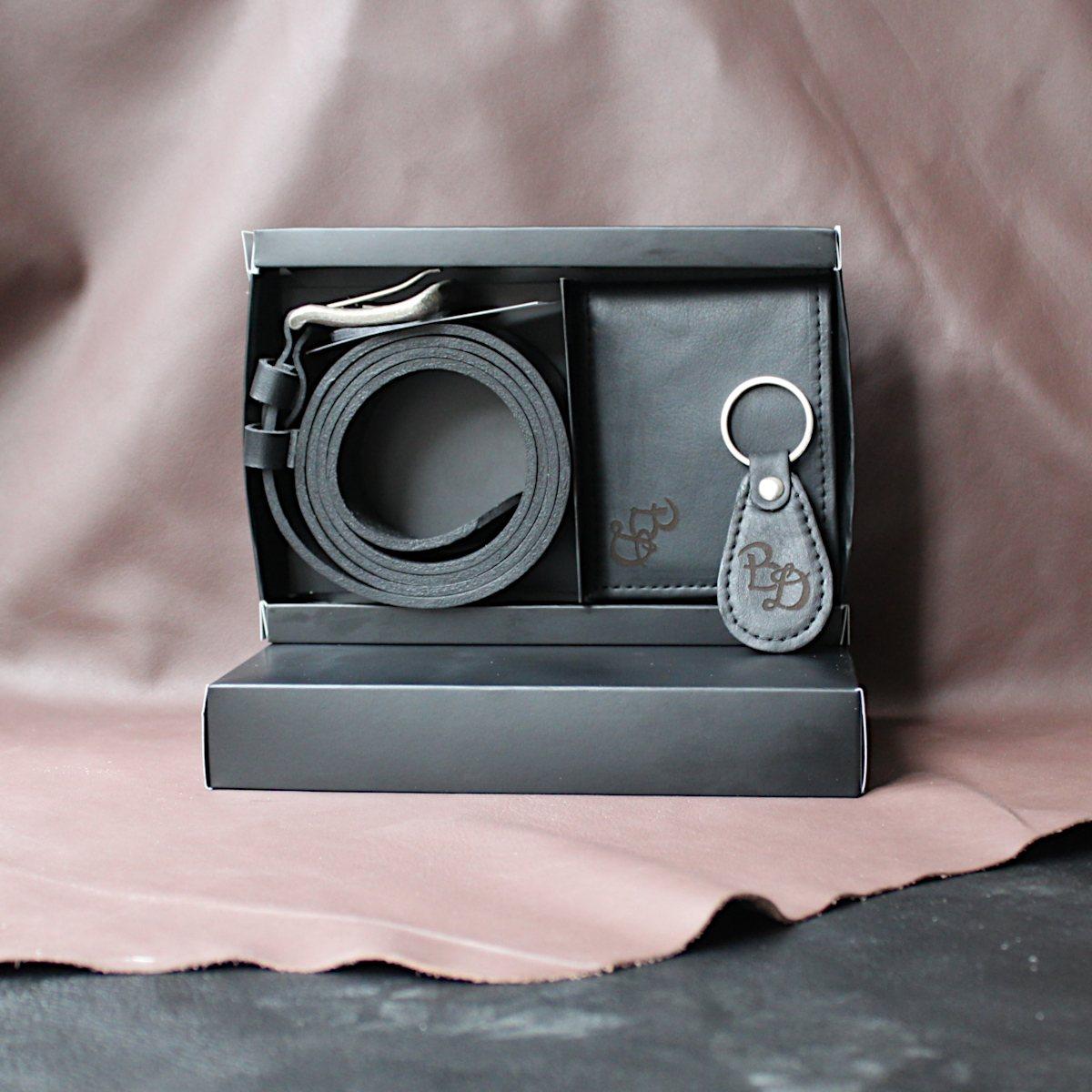 комплект мъжки портфейл, колан и ключодържател плюс кутия