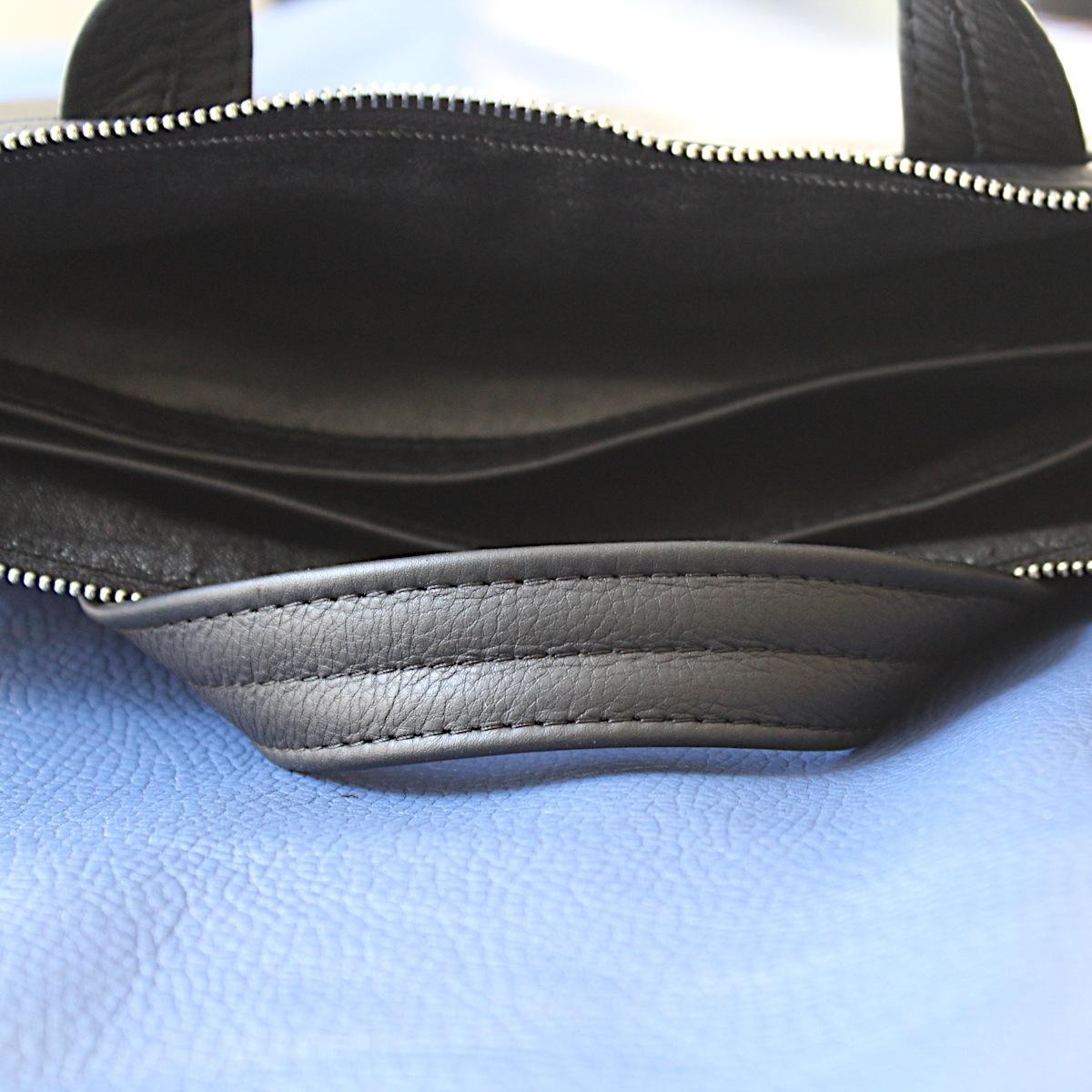 ръчно изработена черна мъжка бизнес чанта от естествена кожа отблизо