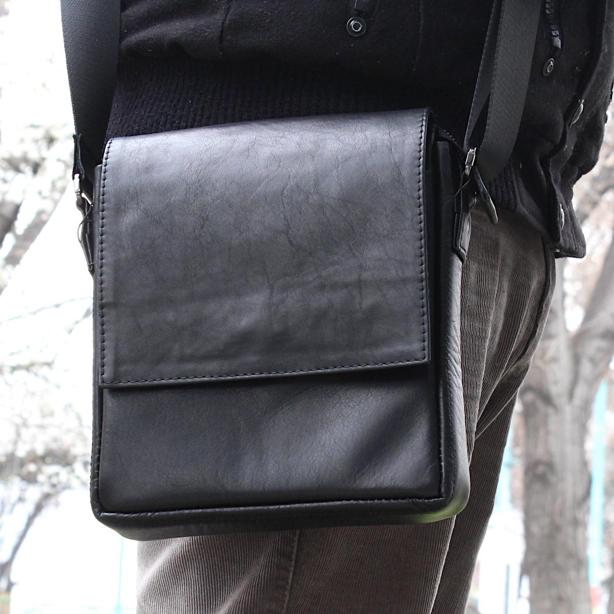луксозна мъжка чанта от естествена кожа черна на рамо