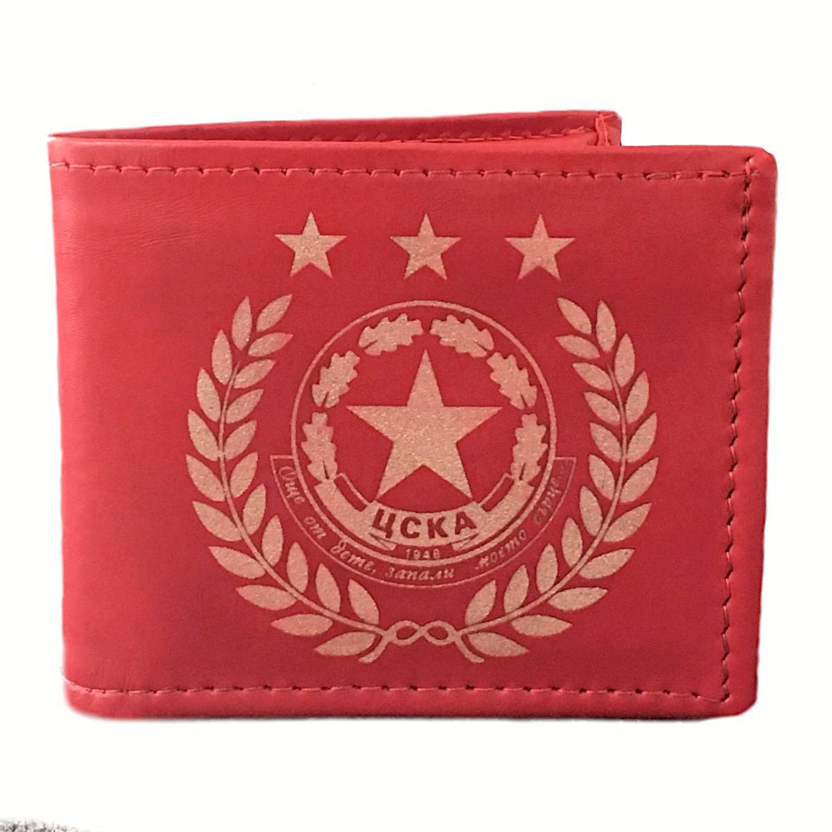 ръчно изработен червен кожен портфейл с логото на цска