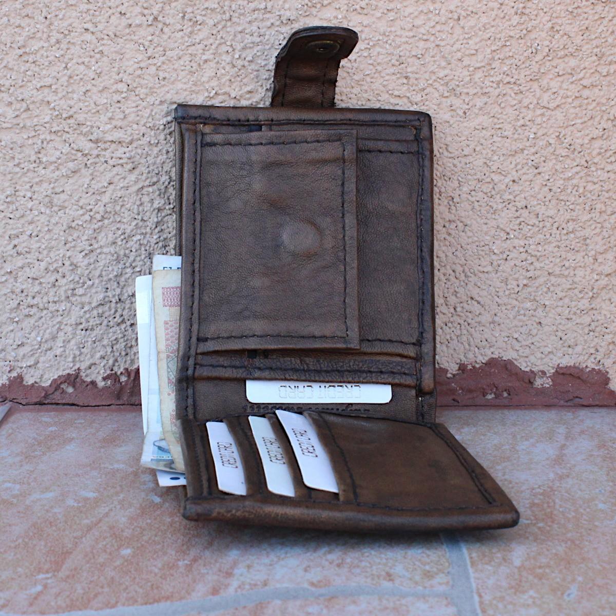модерен мъжки кожен портфейл - централно отделение