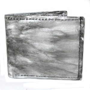 мъжки кожен портфейл в бяло и сиво