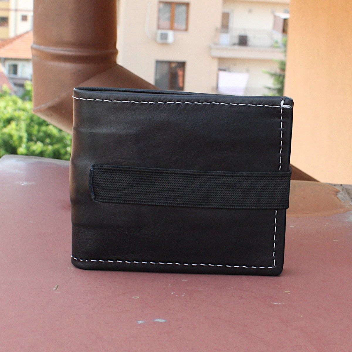 превъзходен мъжки кожен портфейл в черно - отпред