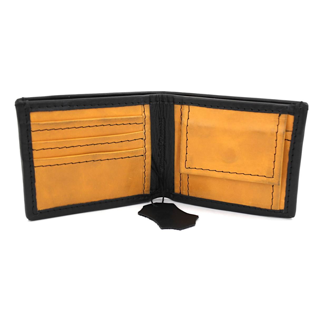 мъжки кожен портфейл в черно и жълто - карти