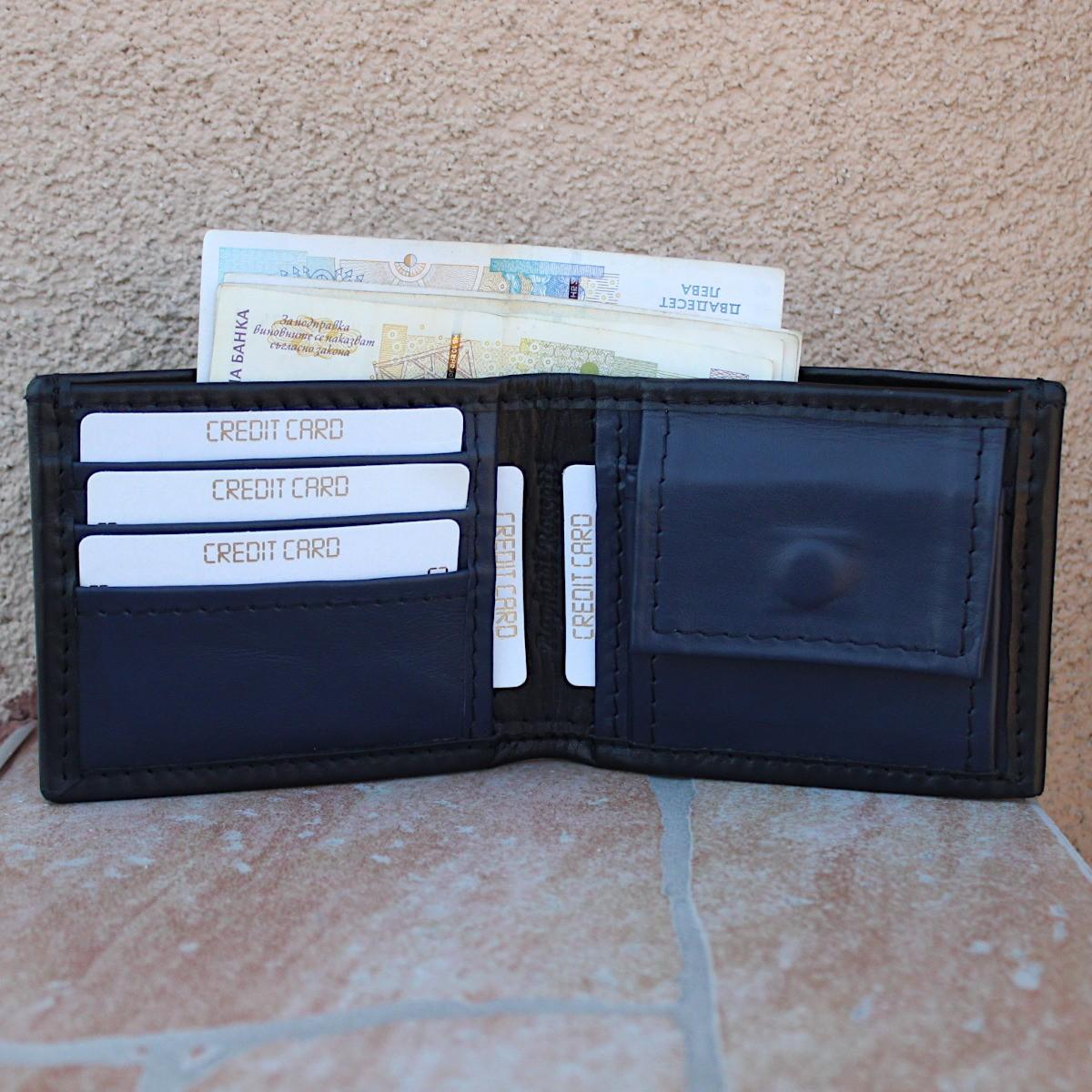 мъжки кожен портфейл черно/тъмно синьо - центрачлно отделение