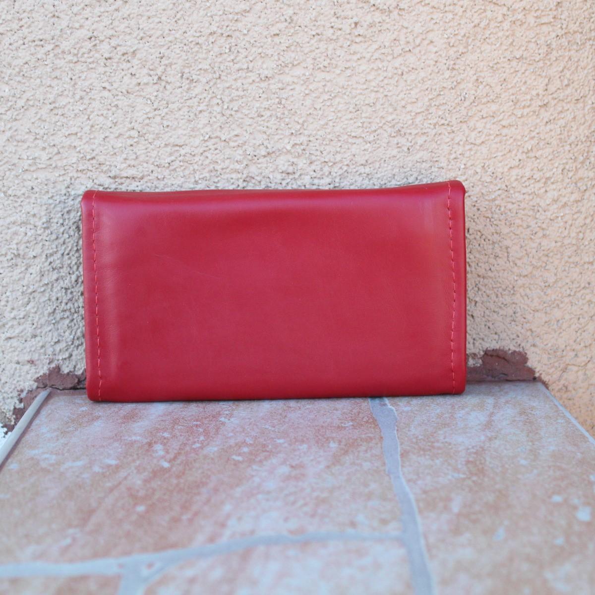 червено дамско портмоне от естествена кожа - отзад